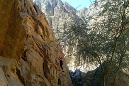 rock-climbing-wadi-gnai-d31